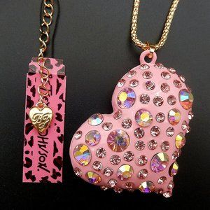 Betsey Johnson NWT pink rhinestone heart necklace